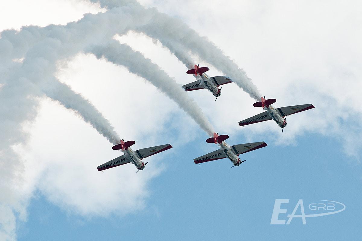 Aeroshell Aerobatic Team Inverted